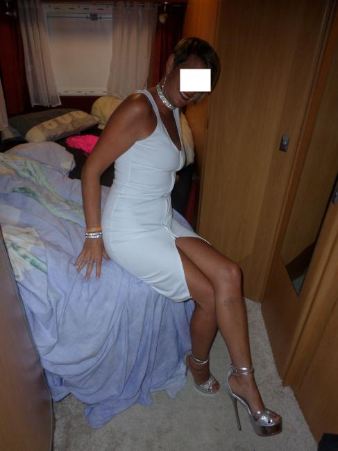 jolie blonde escort girl rouen